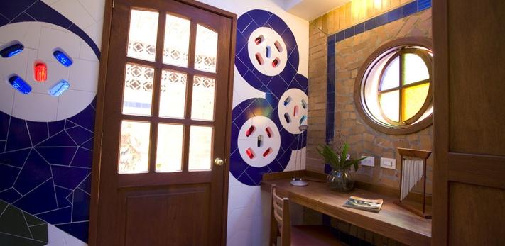 Temática en Gaudí Hotel Casa Santa Monica Cali Norte